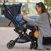 Las mejores marcas, las de siempre, también están en nuestra web. Os queremos enseñar la silla de paseo Lara de @maxicosi_eu 💙  Una silla muy ligera (6,3kg), compacta y cómoda😊 Hemos mantenido algunos precios rebajados. Escríbenos y te lo contamos☺  #alananitanana #tiendaonline #puericultura #españa #mamaprimeriza #instababy #instamom #instadad #maternidad #paternidad #babiesofinstagram #embarazo #maxicosi #maxicosimoments #stroller