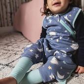 La tranquilidad de saber que tu hija no pasará frío durante la noche🌜 Sacos de dormir Grobag de @tommeetippee_sp fabricados con algodón extra sueve. ⠀ Incorporan una cremallera para poder cambiar el pañal con total comodidad👶 Las mejores facilidades para los papis y, sobre todo, para los peques de la casa💙Todos los sacos Grobag tienen descuento en nuestra web.  ⠀ ⠀ #alananitanana #tiendaonline #babyroom #babyroomideas #maternidad #paternidad #embarazo #sacosdedormir #tommeetippee #porelplacerdedormir #papispower