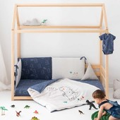 Diferentes perspectivas, una misma cama Montessori😍💙   ¿Sabéis las múltiples opciones y juego que da el mobiliario Montessori para tu peque? Pues este es un ejemplo, ya que la cama en forma de casa de @childhome.be inspirada en la filosofía Montessori es el lugar perfecto para crecer.  #alananitanana #tiendaonline #puericultura #españa #mamaprimeriza #instababy #instamom #instadad #maternidad #paternidad #babiesofinstagram #babybrand #babyproducts #babies #instababies #montessori #montessoritoys #kidsroom #kidsdeco