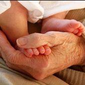 Los abuelos son la combinación de los papás, maestros y nuestros mejores amigos. Siempre en nuestros corazones. Feliz día de los abuel@s!! 🖤👵🏻👨🏻🦳🖤 Os avós são a combinação de pais, professores e nossos melhores amigos. Sempre em nossos corações. Feliz dia dos avós !! 🖤👵🏻👨🏻🦳🖤 #lananitafamily #abuelo #abuela #abuelos #abueloseternos #love #happy #grandmother #grandfather #avo