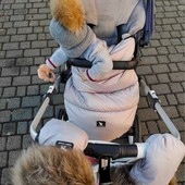 ❄El combo ideal para no pasar frío❄ Saco universal y guantes de @cottonmoose🤍   Ruth (@cocolemelocoton) y su pequeña son la imagen ideal de cómo el invierno puede ser lo más cálido del mundo💙 Gracias por confiar en #ALaNanitaNana   #tiendaonline #puericultura #españa #mamaprimeriza #instababy #instamom #instadad #maternidad #paternidad #babiesofinstagram #embarazo #cottonmoose #invierno #amor