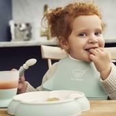 🍴Yumy yummy🍴Nuestros pequeños ya comen solitos y los cubiertos del set de comida @babybjorn son perfectos.   Elige entre los cuatro colores disponibles y consigue los 5 productos por 34,32€🥰   #alananitanana #tiendaonline #puericultura #españa #mamaprimeriza #instababy #instamom #instadad #maternidad #paternidad #babiesofinstagram #embarazo #hapetoys #musica #juguetes #babybjorn