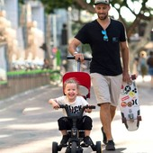⭐Hasta el 60% DTO en las mejores marcas durante 15 días⭐ El Triciclo Liki Trike S1 de Doona es el triciclo plegable más compacto del mundo🤩. ¡Se pliega y se despliega en 3 segundos!  Tiene freno trasero para un mayor control de los papis y las mamis. Es apto para peques de 10 meses hasta los 4 años👶🧒  Te enviamos tu pedido en 24/48 horas📦 Enlace en nuestra BIO⬆  #alananitanana #tiendaonline #babyroom #babyroomideas #maternidad #paternidad #embarazo #descuentos #puericultura #octubre #papispower #embarazadas #strollers #family #baby #pregnancy #pregnant #love #instamum