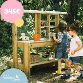 Uno de nuestros mejores juguetes es esta cocinita de madera para exterior.💚️ Con ella podrán aprender a cultivar plantas aromáticas o verduras, ya que incorpora una maceta para que se integren con el medio ambiente. También podrán apuntar el menú y dibujar en su pizarra. ¡Inspiradora, creativa, bonita y natural! 😍  #LaNanitaFamily #Baby #TiendaOnline #TiendaBebés #OnlineShop #Cocinita
