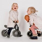Ideas para regalar bonito esta Navidad🎄Último día para asegurarte de que tus regalos lleguen a tiempo💙 El triciclo Vromm de @childhome.be es una bicicleta de 3 ruedas para convertirse en el juguete preferido de tus hijos e hijas estas Navidades. Consíguelo ahora por 69,80€ y recíbelo antes del día 24 de diciembre🎅🤶  Pídelo ahora y te llegará a tiempo para disfrutar de las Navidades sin prisas😊🎁 Pregúntanos sin compromiso.  #alananitanana #tiendaonline #puericultura #españa #mamaprimeriza #instababy #instamom #instadad #maternidad #paternidad #babiesofinstagram #embarazo  #juguetes #navidad #navidad2020 #aprenderjugando #juguetesdemadera #jugueteseducativos #childhome #tricicloinfantil #triciclovroom #vroom